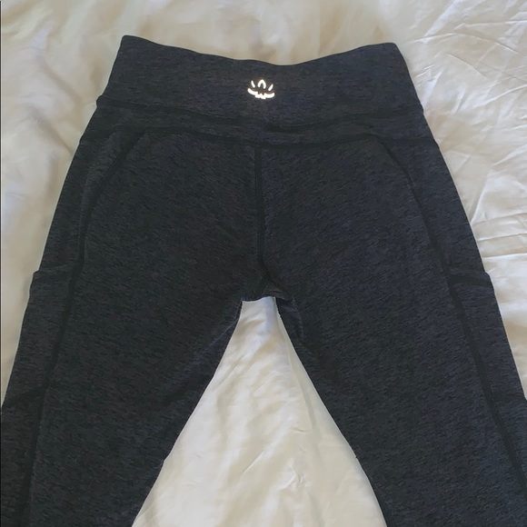 Beyond Yoga Pants - Beyond Yoga crop leggings
